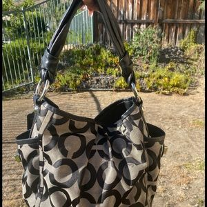 COACH purse —- used